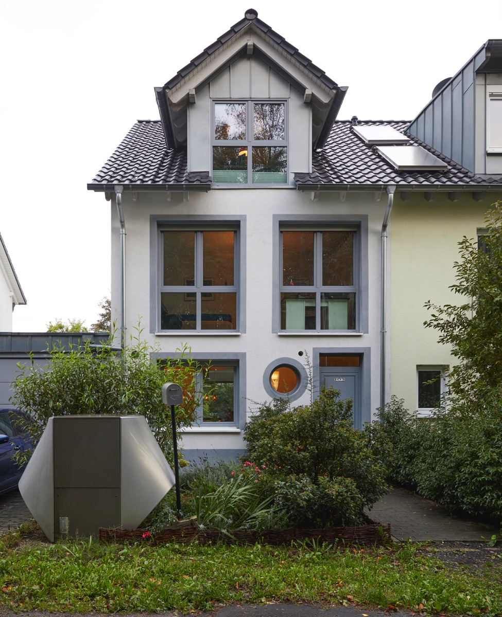 Neuwertige Doppelhaushälfte in Rheinnähe