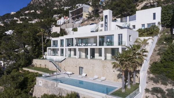 Moderne Villa mit Meerblick in Port Andratx