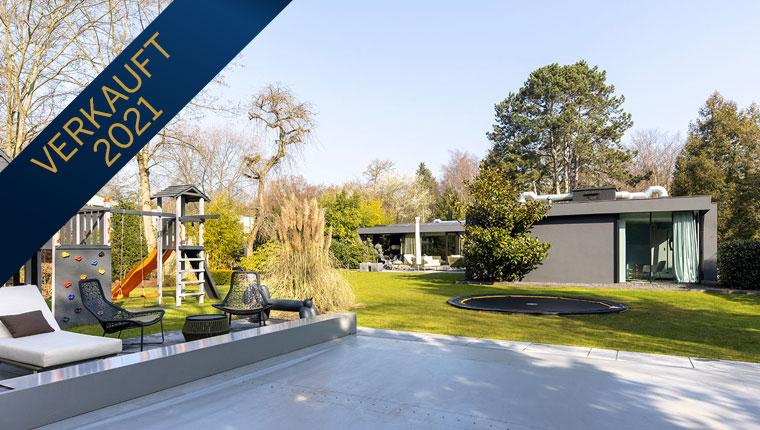 Neuwertiger Luxusbungalow mit Pool & Klima in Bestlage von Hahnwald, modern und edel ausgestattet